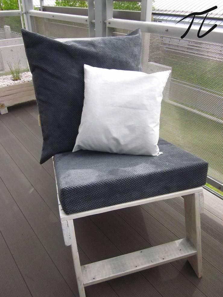 Leżak z palet: styl , w kategorii Balkon, weranda i taras zaprojektowany przez Palletideas