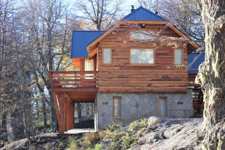 Projekty,  Domy zaprojektowane przez Aguirre Arquitectura Patagonica