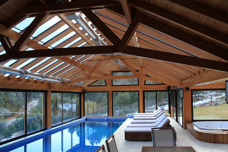 Casa Chapelco Golf and Resort – Patagonia Argentina: Spa de estilo  por Aguirre Arquitectura Patagonica
