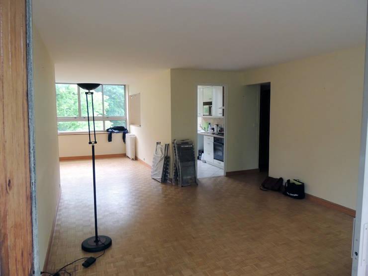 L'espace à vivre avant travaux: Salon de style  par Reinvente Ta Maison
