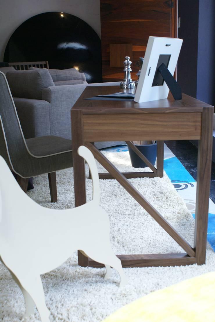 El escritorio: Oficinas y tiendas de estilo  por Jacobs Interiorismo