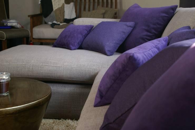 Sofa chaise: Hogar de estilo  por Jacobs Interiorismo