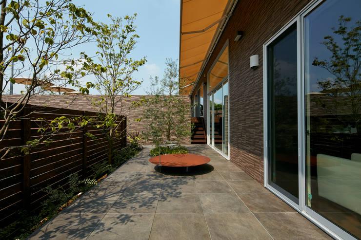 庭: Mアーキテクツ|高級邸宅 豪邸 注文住宅 別荘建築 LUXURY HOUSES | M-architectsが手掛けた庭です。