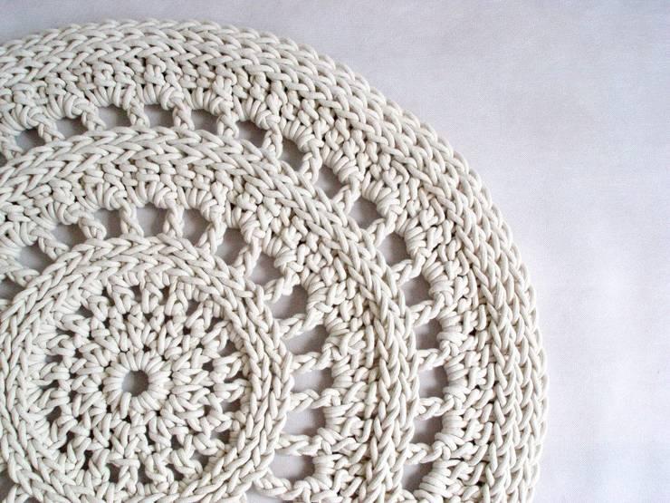 Ręcznie wykonany, dziergany dywan model VENICE: styl , w kategorii Ściany i podłogi zaprojektowany przez RENATA NEKRASZ art & design