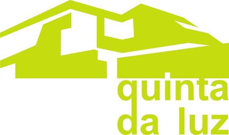 P309_2007 Quinta da Luz Quintas  Ílhavo: Casas  por José Vitória Arquitectura