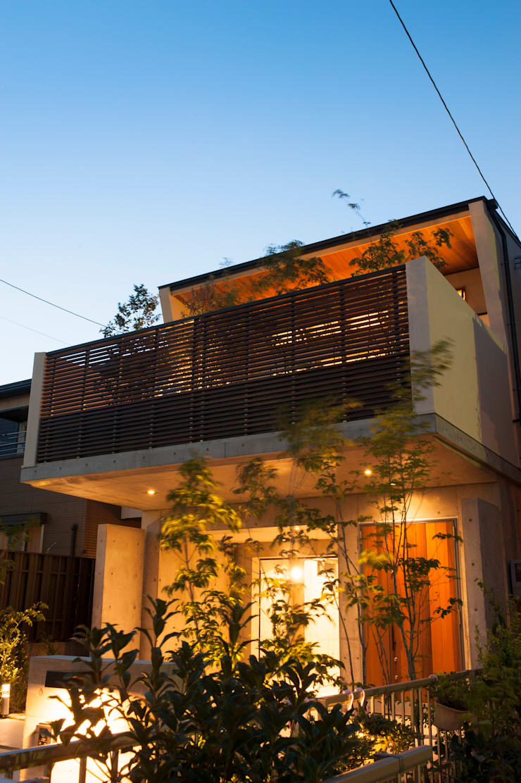 Garden Terrace House: Sakurayama-Architect-Designが手掛けた家です。