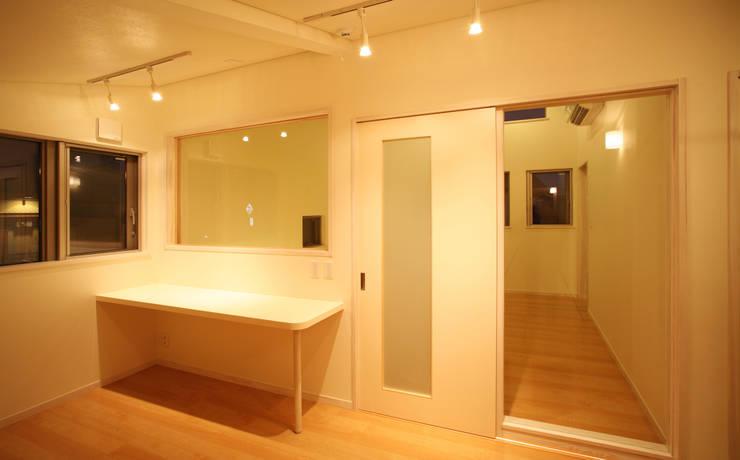 吉田設計+アトリエアジュール의  침실
