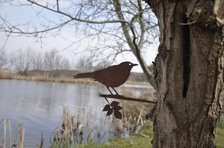 Bird:  Tuin door Metalbird v.o.f.