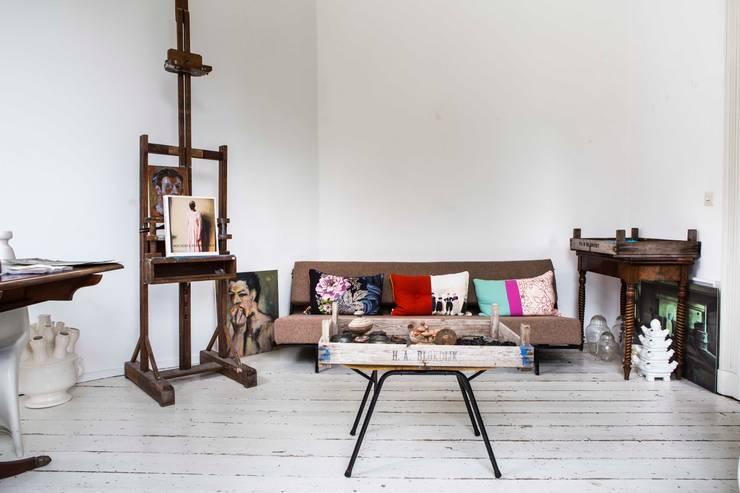interieur- en kleuradvies:  Studeerkamer/kantoor door studio zipp, Eclectisch