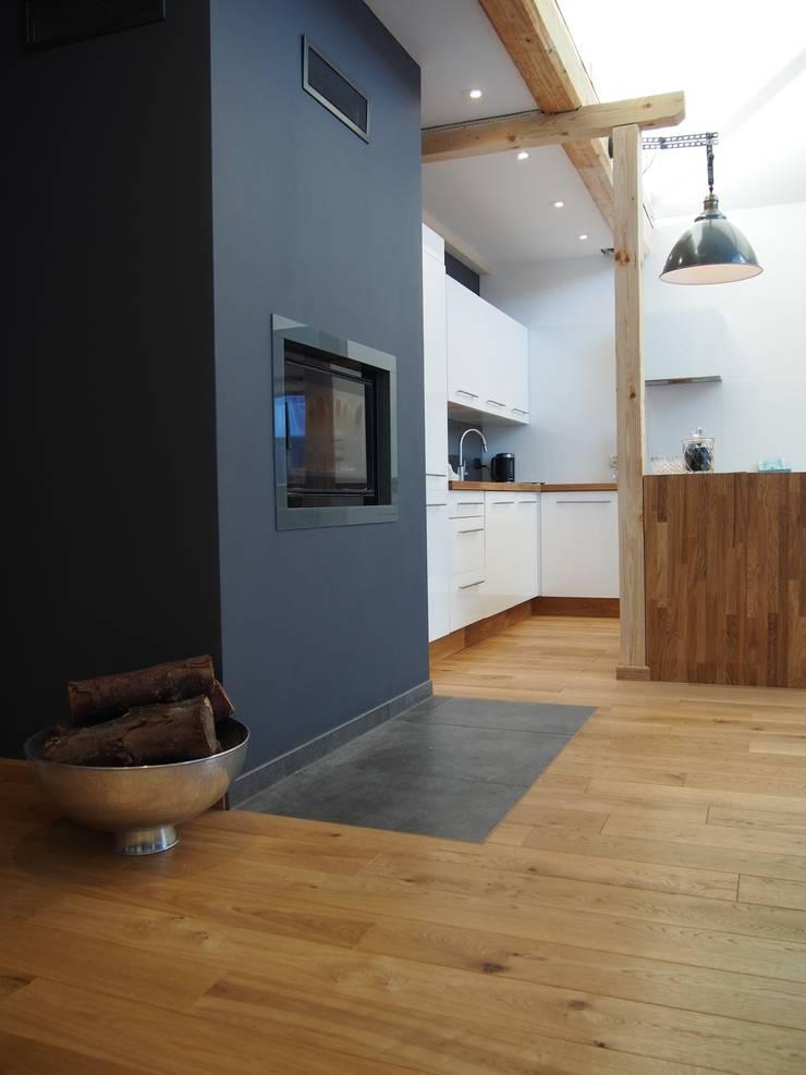 dom 150m2: styl , w kategorii Kuchnia zaprojektowany przez Projekt Kolektyw Sp. z o.o.