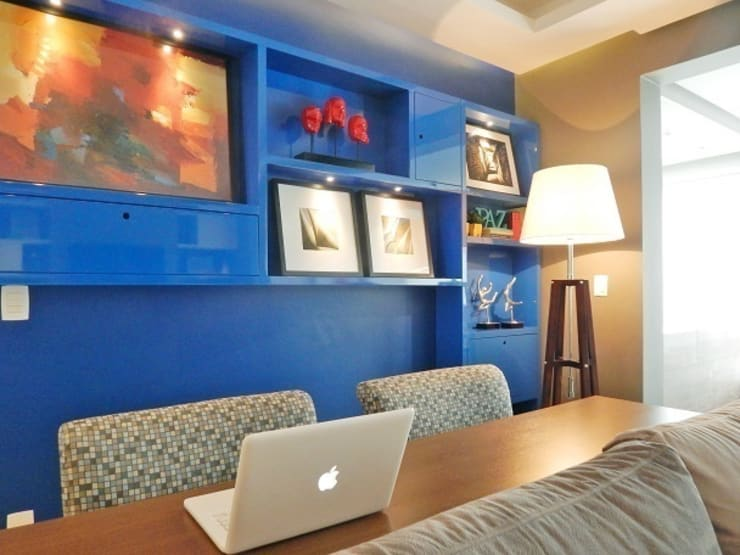 LIVING VS – MENINO DEUS / PORTO ALEGRE: Salas de estar ecléticas por Ambientta Arquitetura