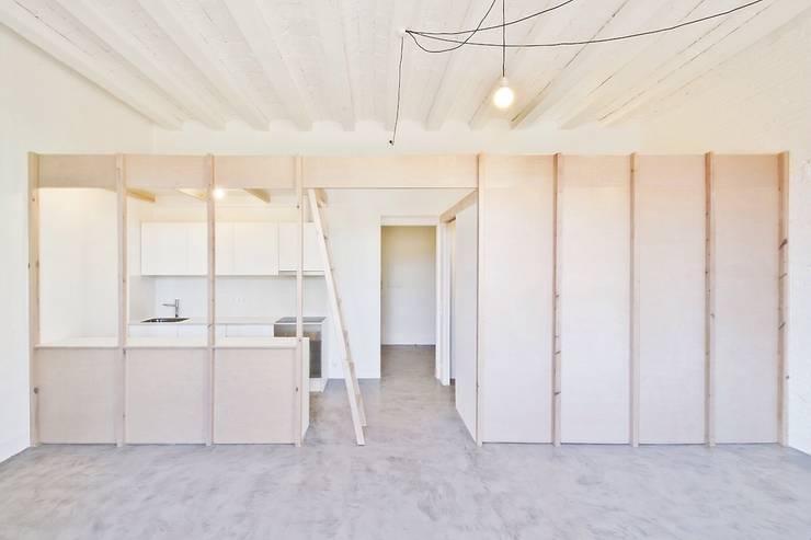 Estructura modular en C/Tamarit: Cocinas de estilo  de iFusta