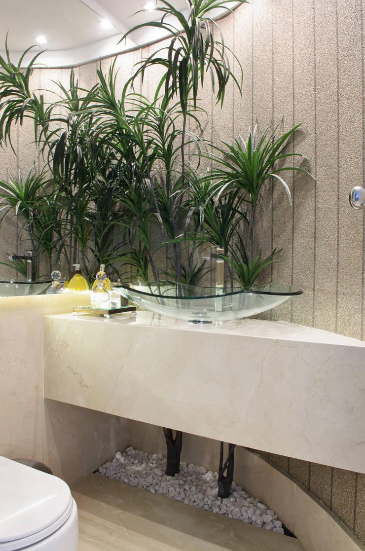 LAVABO: Banheiros  por RODRIGO FONSECA | ARQUITETURA E INTERIORES,Moderno
