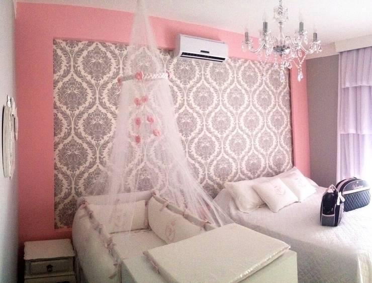 Dormitório Princesa V: Quarto infantil  por Paula Folim - Arquitetura e Interiores