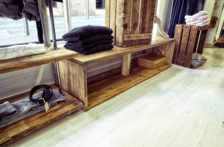 Oficinas y locales comerciales de estilo  por Paletto's Furnature