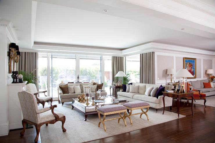 Kerim Çarmıklı İç Mimarlık – Çubukluvadi Evi : modern tarz Oturma Odası