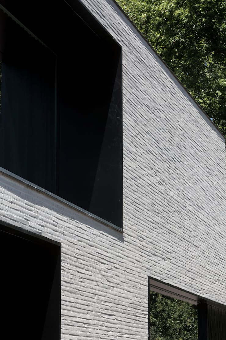 house + swimming pool VWB | afsnee:  Huizen door CAAN Architecten