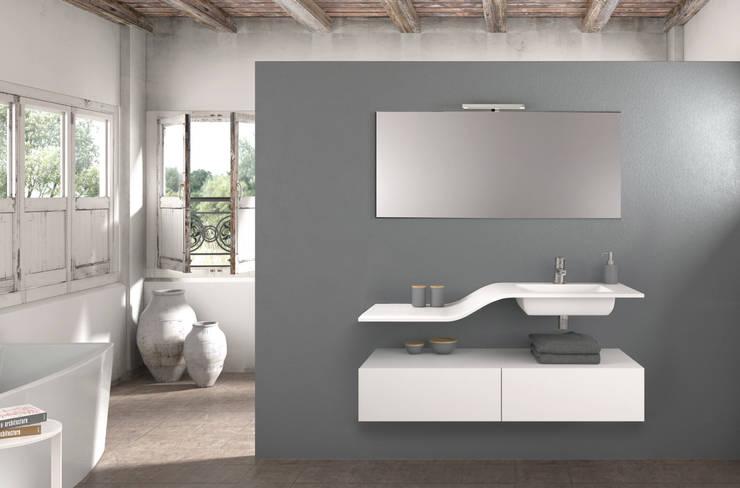 Mueble Essence W : Baños de estilo  de Astris
