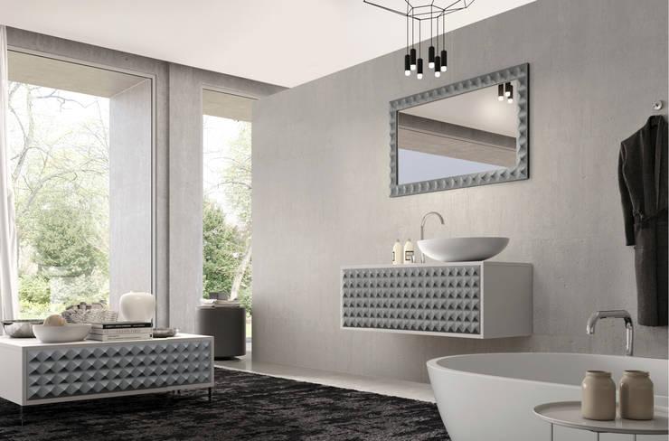 Mueble Diamond Plata: Baños de estilo  de Astris