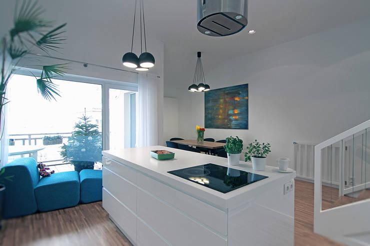 Dom na Różanym Potoku : styl , w kategorii Kuchnia zaprojektowany przez Neostudio Architekci