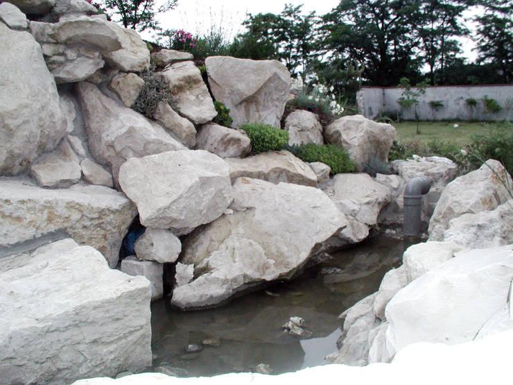 ogrod rok 1998: styl , w kategorii  zaprojektowany przez CHOŁUJ DESIGN s.c.