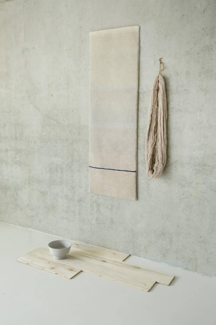 Hues: modern  door Studio Mae Engelgeer, Modern