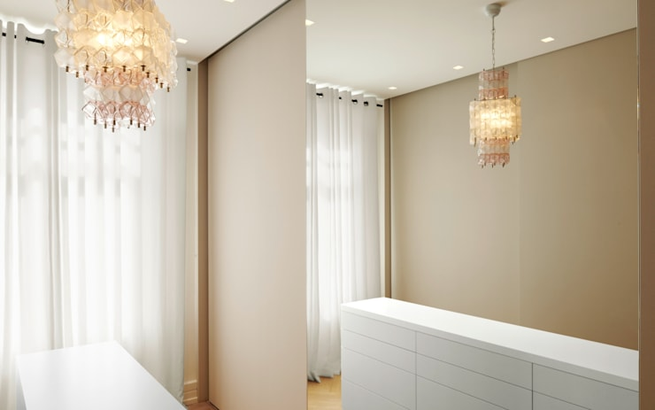 Dressing room by Schmidt Holzinger Innenarchitekten, Modern