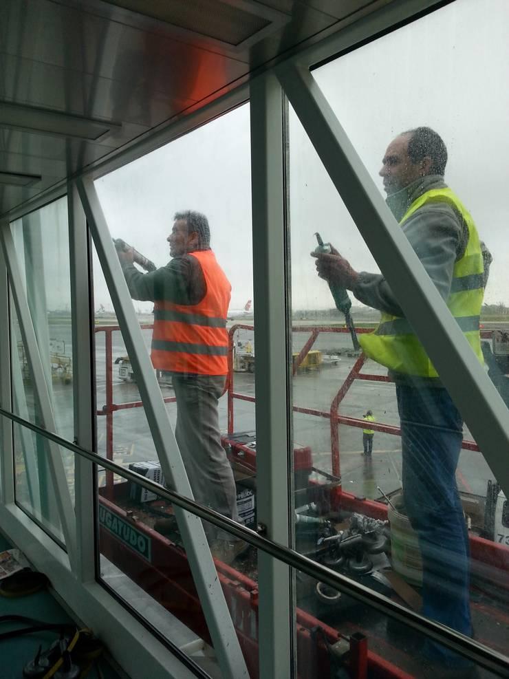 Aeroporto de Lisboa: Aeroportos  por Autovidreira