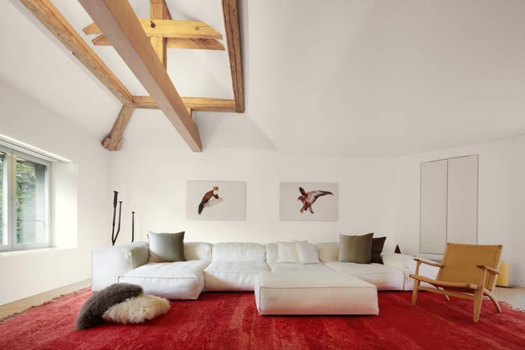 Anexos de estilo  por Schmidt Holzinger Innenarchitekten