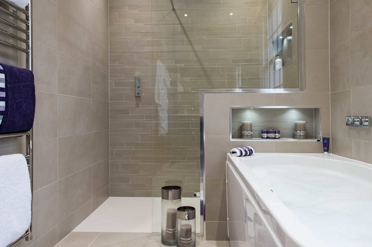 Michel Roux Waterside Inn Bathroom, Bray, Berkshire:  Bathroom by Raycross Interiors