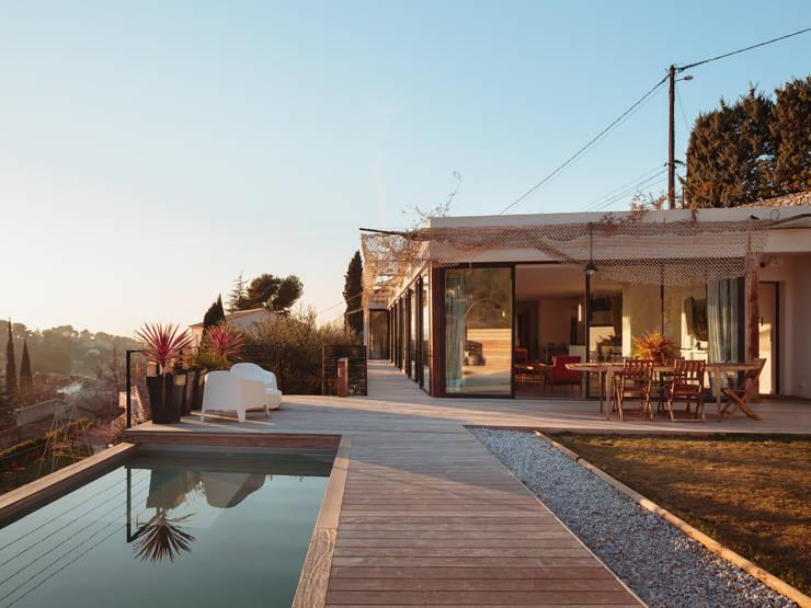 VILLA MACINITA: Maisons de style de style Méditerranéen par X-TREM CLEMENT BOIS ARCHITECTE
