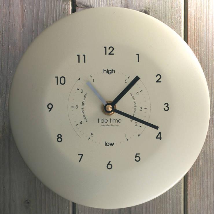 Time & Tide Clock - Cream:  Living room by ashortwalk