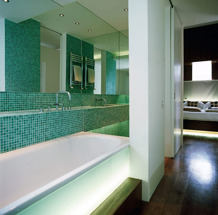 Bathroom by Jonathan Clark Architects