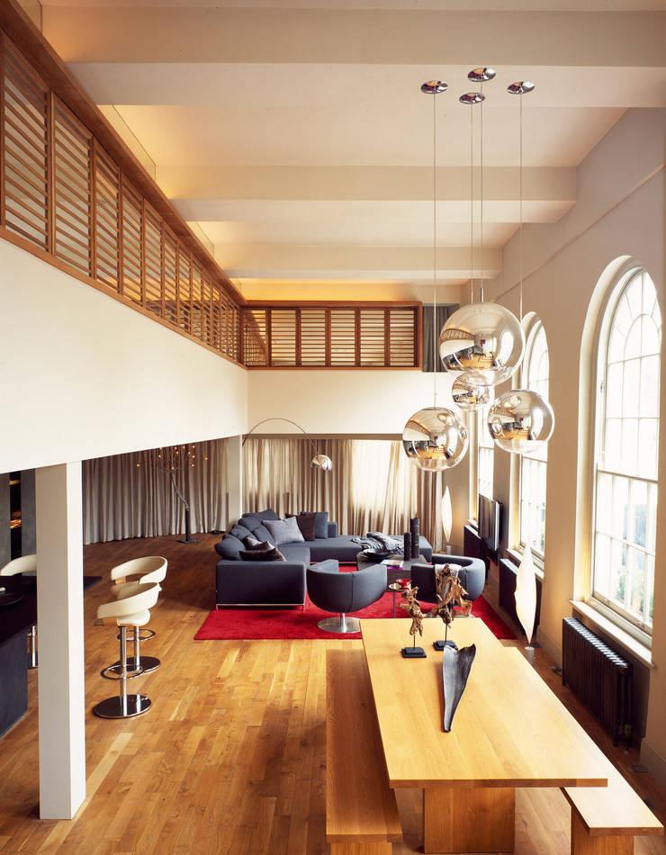 Islington Apartment - 2:  Living room by Jonathan Clark Architects