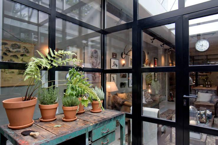 industrialer Garten von BRICKS Studio