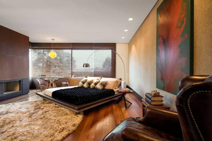 Projeto Casa Moderna - Jorge Elmor: Quartos  por Elmor Arquitetura