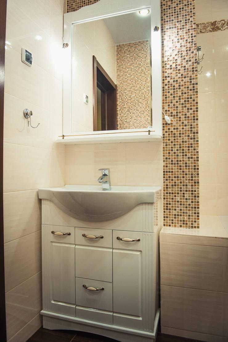 С новыми надеждами в новой квартире: Ванные комнаты в . Автор – мастерская интерьера Violette