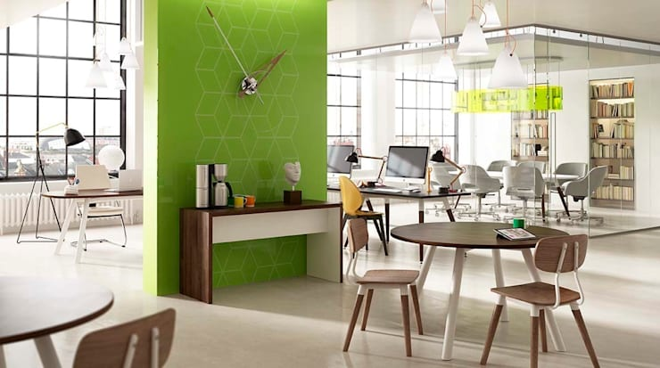 Moment Office:  Office spaces & stores  by Gresham Office Furniture