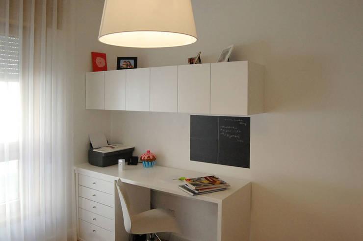 Decoração de quarto moderno: Quarto  por MOYO Concept