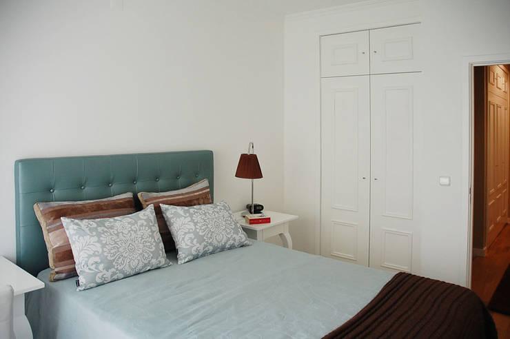 Decoração de interiores quarto: Quarto  por MOYO Concept