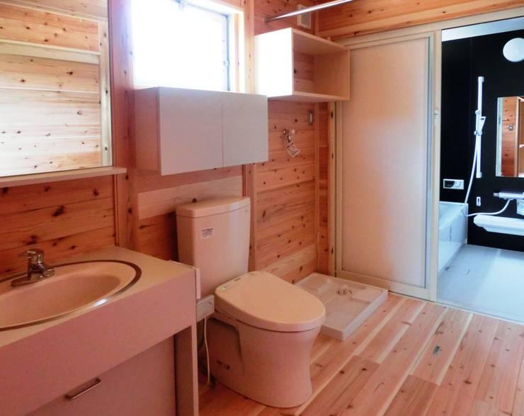Ванные комнаты в . Автор – 氏原求建築設計工房