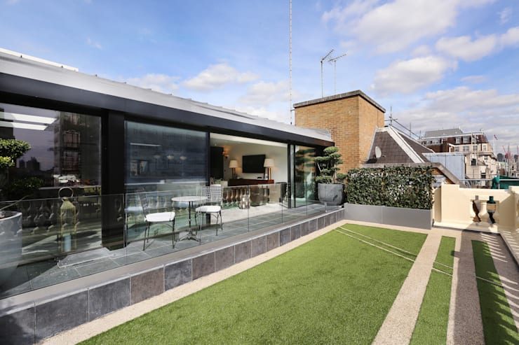 Luxury London penthouse:  Garden by Alex Maguire Photography