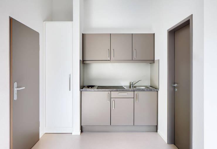 Studentenwohnheim Im Krausfeld:  Küche von Koenigs + Rütter