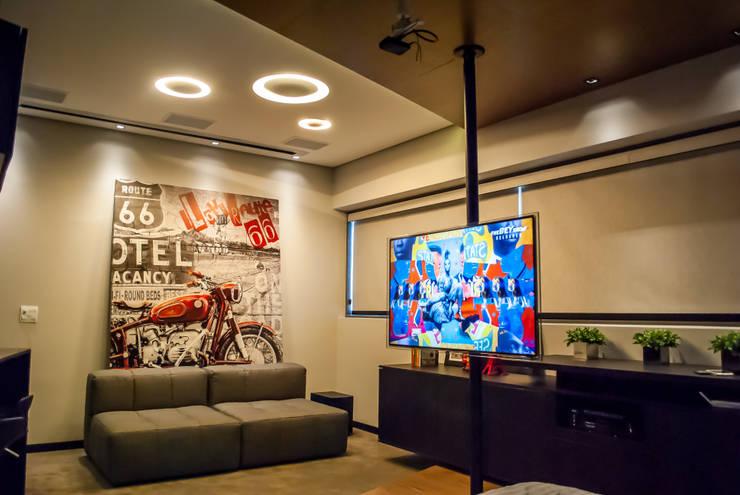 Sala/Quarto: Salas de estar  por Studio Gorski Arquitetura