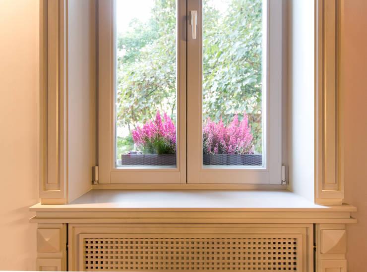 Puertas y ventanas de estilo clásico por Anna Buczny PROJEKTOWANIE WNĘTRZ