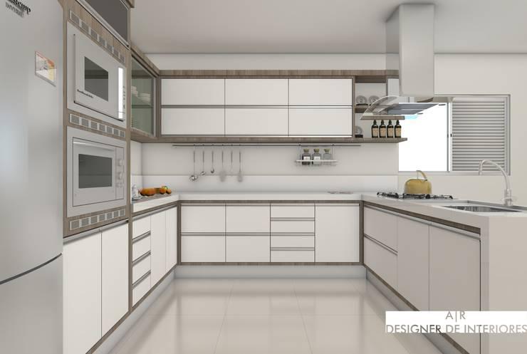 Cozinha Luxuosa : Cozinhas  por A|R DESIGNER DE INTERIORES