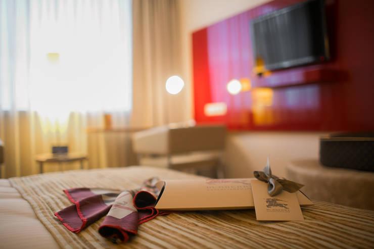 Hotels by Anna Buczny PROJEKTOWANIE WNĘTRZ, Modern MDF