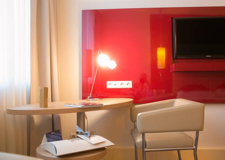 Hotels by Anna Buczny PROJEKTOWANIE WNĘTRZ, Modern Chipboard