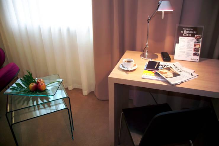 Hotels by Anna Buczny PROJEKTOWANIE WNĘTRZ, Modern
