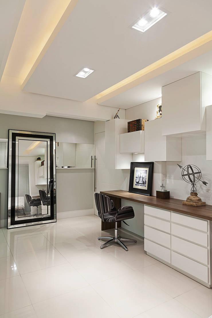 Bureau de style  par marli lima designer de interiores,